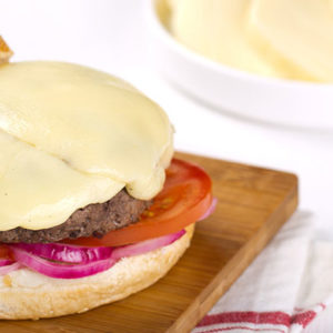 http://localhost/vallelata_old/wp-content/uploads/2014/11/014_Hamburger-con-Scamorza.-Ricetta.jpg