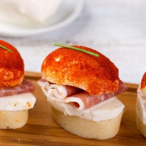 http://localhost/vallelata_old/wp-content/uploads/2014/11/017_Panino-al-vapore-con-paprika-Mozzarella-e-prosciutto-crudo-di-Parma.-Ricetta.jpg