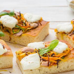http://localhost/vallelata_old/wp-content/uploads/2015/06/107_pizza_basepatate_verdure_mozzarella_ricetta.jpg