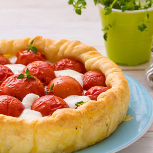 http://localhost/vallelata_old/wp-content/uploads/2015/07/121_tortasalata_pomodorini_mozzarella_ricetta.jpg