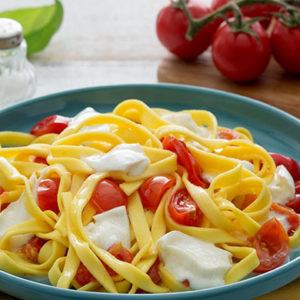 http://localhost/vallelata_old/wp-content/uploads/2016/10/195_pasta_mozzarella_bufala_ricetta.jpg