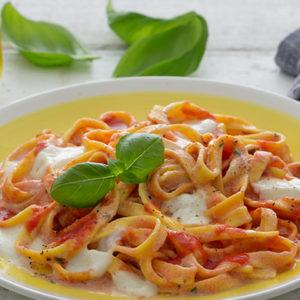 http://localhost/vallelata_old/wp-content/uploads/2016/10/197_pasta_pomodoro_mozzarella_ricetta.jpg